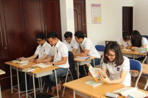 学歴や言語と技能等の問題をクリアできれば直接雇用も可能